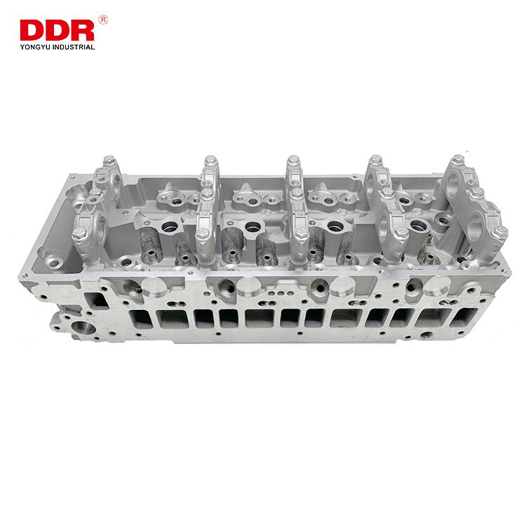 1005B3411005B340 Aluminum cylinder head 4M41 (1)
