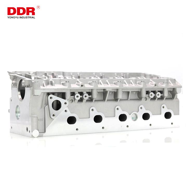 LDF000890 Aluminum cylinder head TD5 (8)