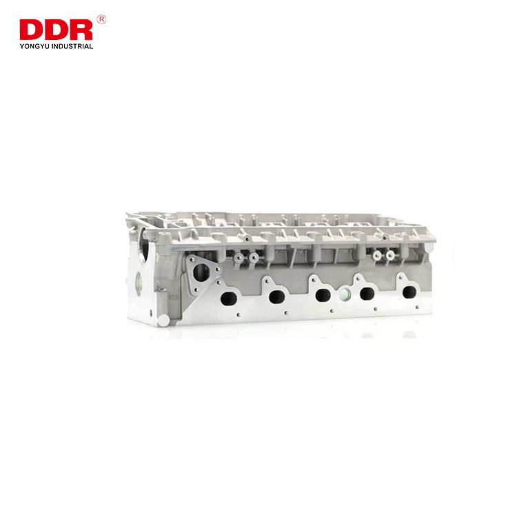 LDF000920 Aluminum cylinder head TD5 (8)